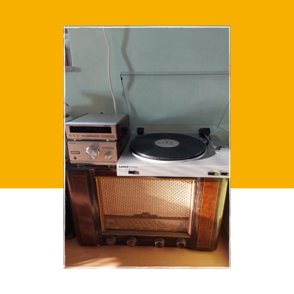 antieke buizenradio